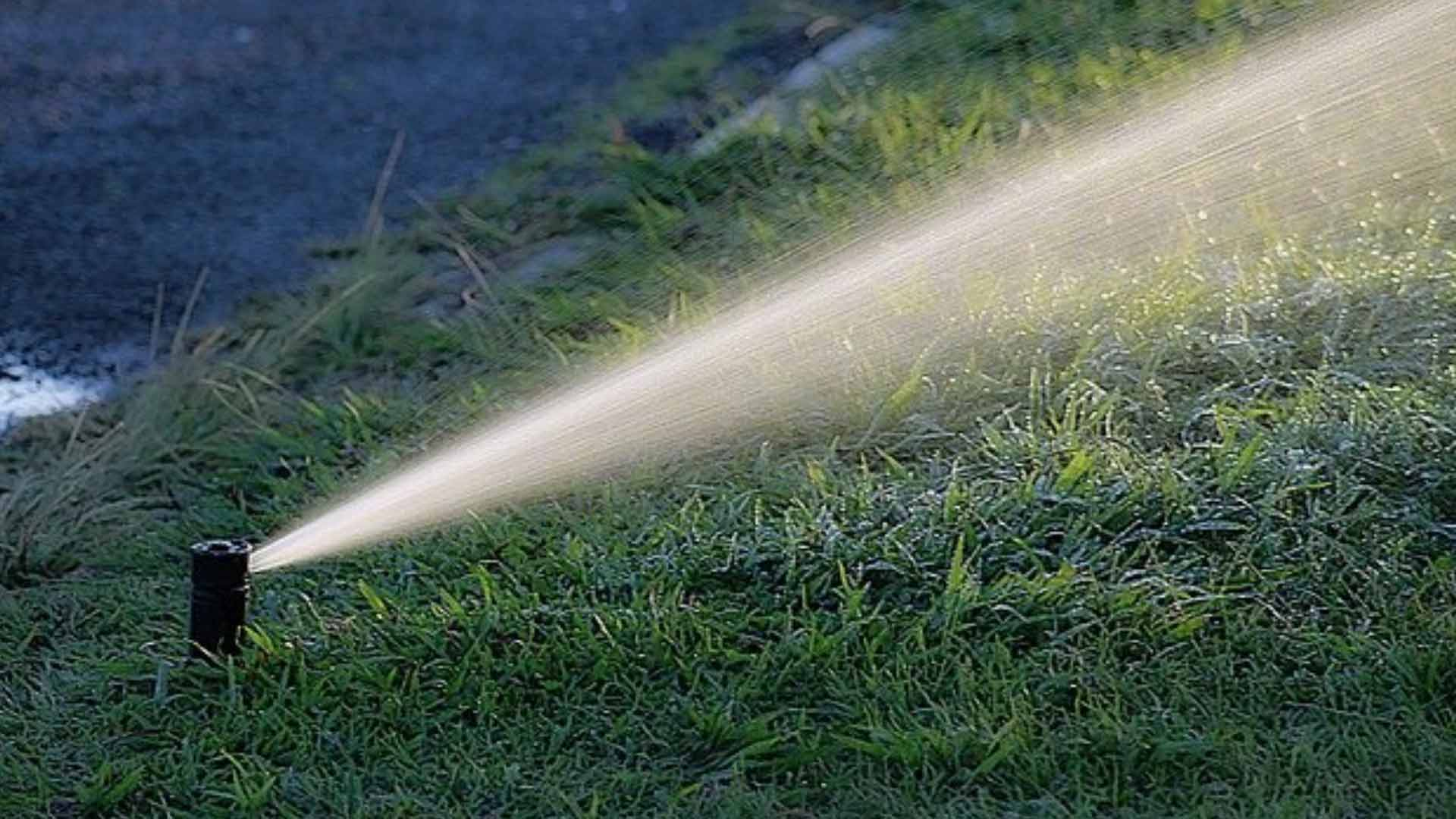 irrigation repair Lexon outdoor commercial landscaping and maintenance from Orlando, FL to Tampa, FL